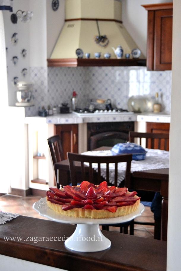 crostata con fragole e crema pasticcera
