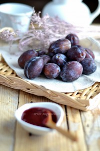 Marmellata di prugne viola