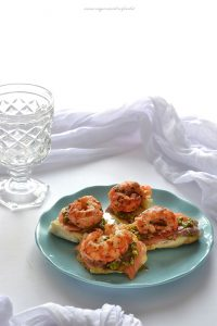 bruschetta salmone e pistacchio