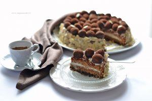 Torta fondente di cioccolato e mandorle