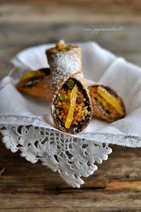 cannoli con cous cous all'arancia