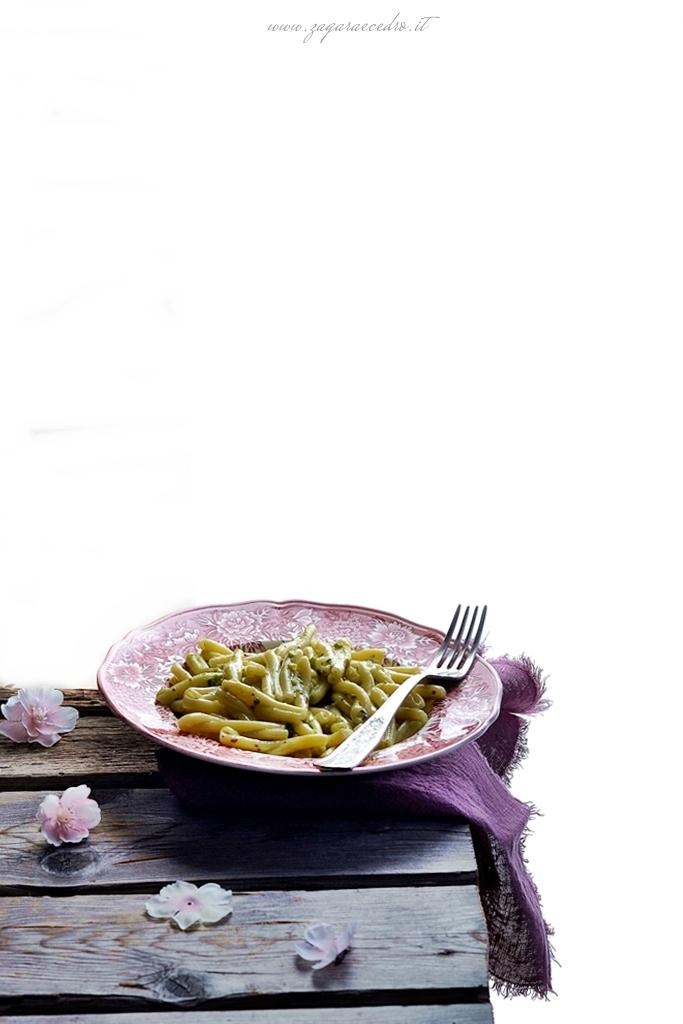 casarecce con pesto di pistacchio e gorgonzola