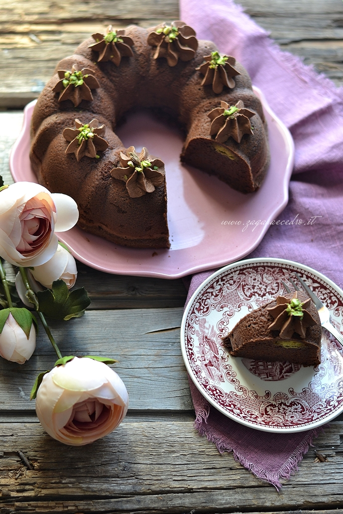 torta al cacao con crema di pistacchio