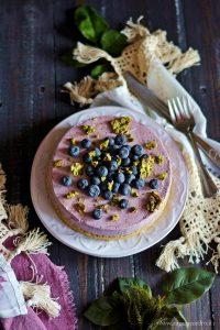 cheesecake ai mirtilli con pistacchio