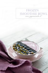 frozen smoothie bowl
