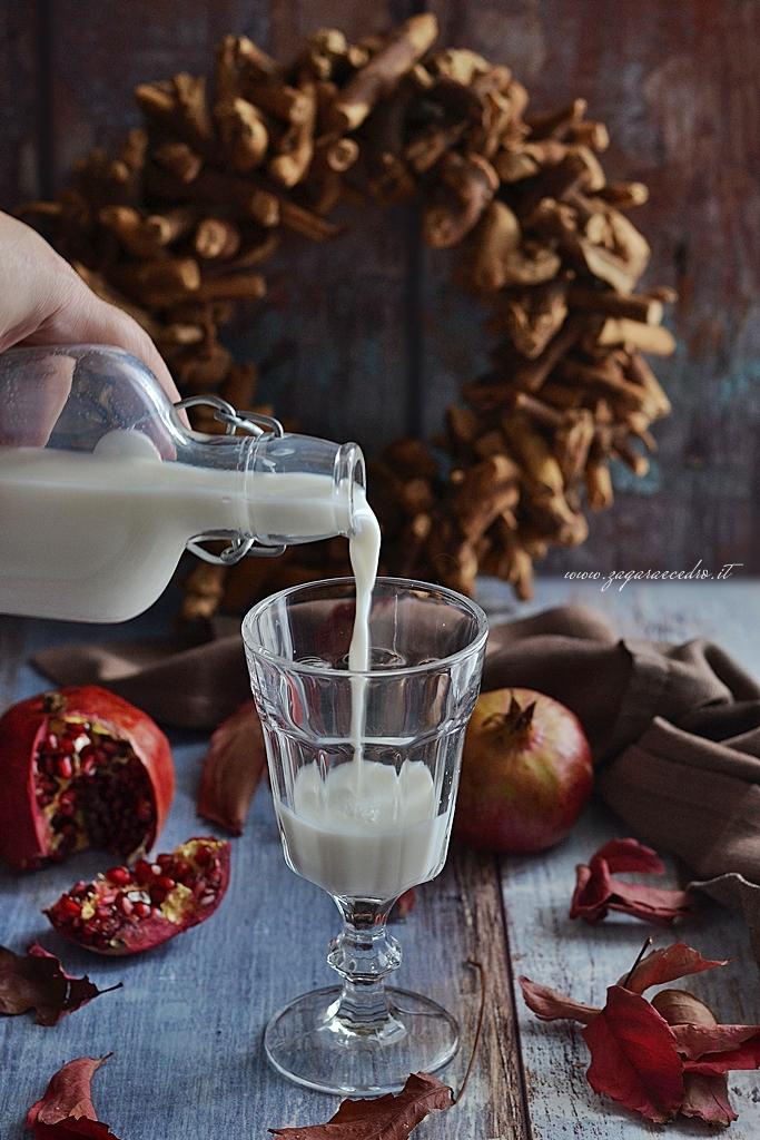 panna cotta latte di mandorla e melagrana