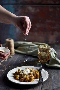 gnocchi con pesto di pistacchio
