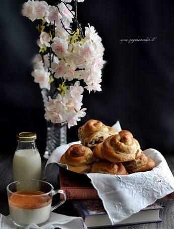 chiocciole con panna e cioccolato