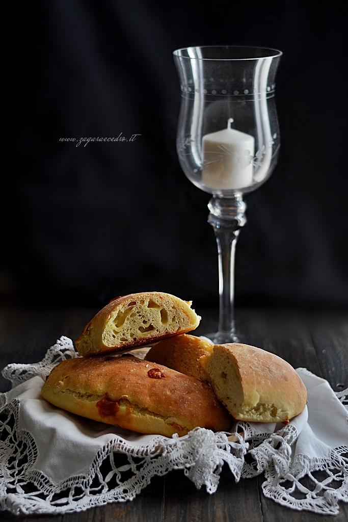 sfilatini di pane con formaggio